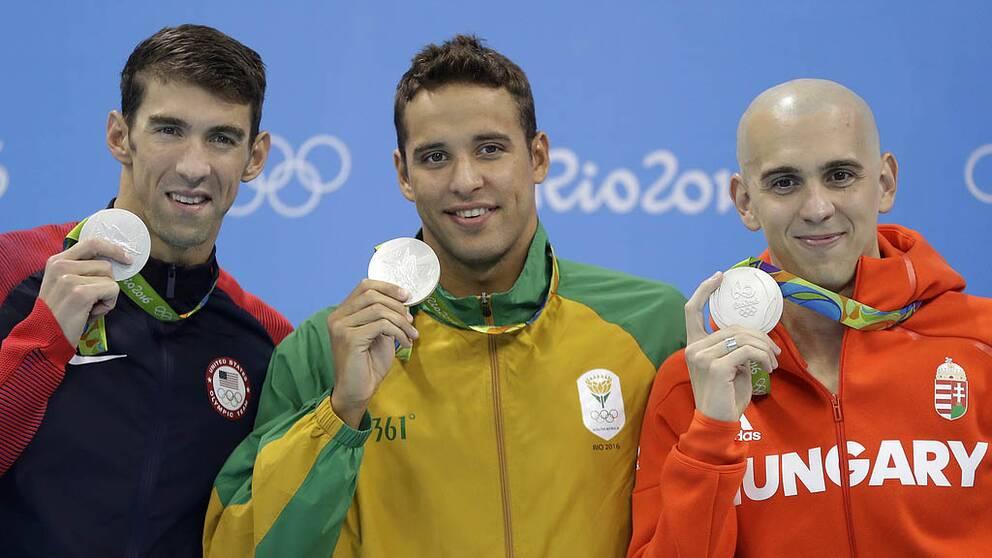 Phelps tillsammans med övriga silvermedaljörer.