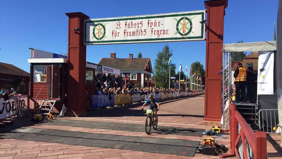 Stenerhag går i mål i Cykelvasan.