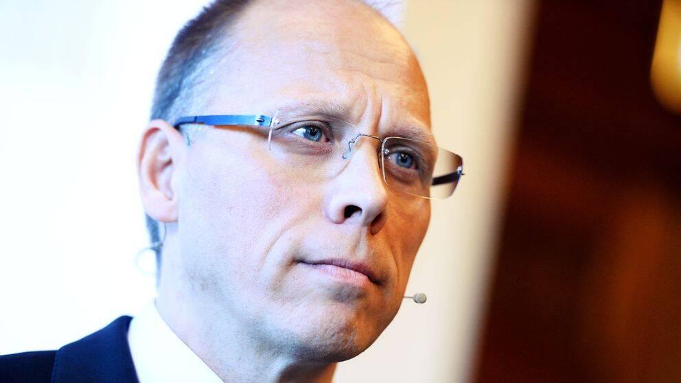 Handelbankens före detta vd Frank Vang-Jensen får miljoner i ersättning.
