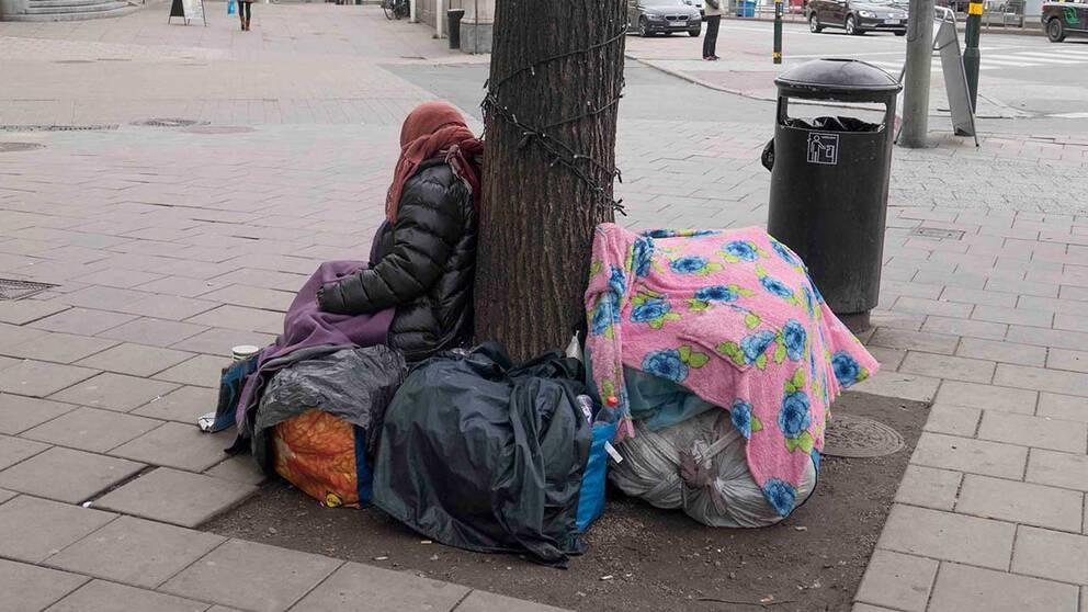 Kvinna tigger i Stockholm