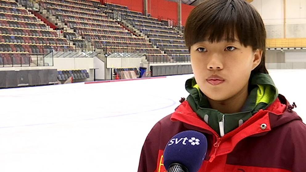 En bild på Qiu Jin Xiao, kapten i kinesiska landslaget i bandy.